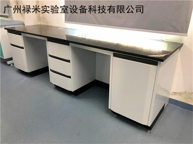 实验台上面的配套设施如何安置?